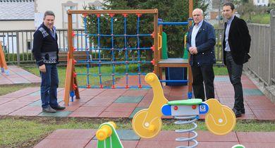 210416 FOTO CERVO NOVO PARQUE INFANTIL EN RÚA