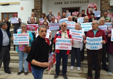 3 - FOTO CONCENTRACIÓN PENSIONISTAS BARREIROS 24 - 5 - 2018