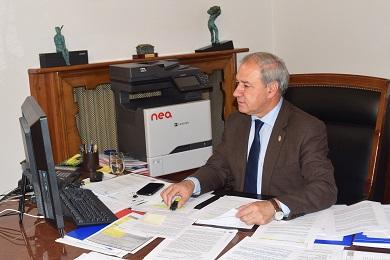 060720 José Tomé Roca na reunión cos Alcaldes e Alcaldesas da Mariña