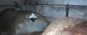 O concello de Ribadeo aplica medidas de seguridade ós tanques de acido da antiga fábrica de algas