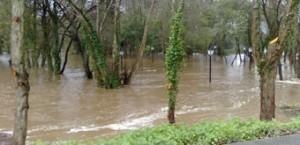 O BNG de Alfoz asegura que as areas recreativas da beira do río quedan asolagadas cando chove