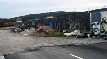 Di o PSOE que o concello de Cervo acumula toneladas de lixo cerca do campo de fútbol de San Cibrao