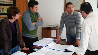 O alcalde de Cervo xestionará ante o futuro goberno galego melloras no saneamento de San Ciprián