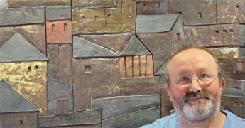 Otero Regal expón en A Coruña 34 obras feitas en cerámica de alta temperatura