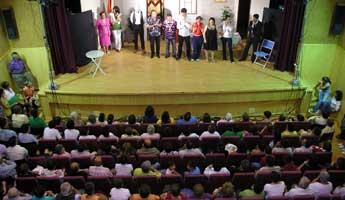 Centos de persoas participan nas actividades do Nadal en O Valadouro