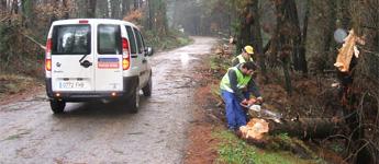 62 operarios e 20 vehículos da deputación de Lugo atenden incidencias por choiva e vento nas estradas provinciais