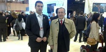O alcalde de Cervo entrevistouse en FITUR co presidente dos empresarios galegos