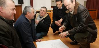 Veciños da Senra en Cervo propoñen modificacións ao plan de sumidoiros de Augas de Galicia