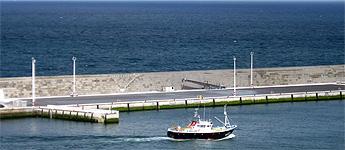 ABSA e confraría de Burela piden a Portos de Galicia que se amplíe o espigón entre o peirao comercial e o pesqueiro