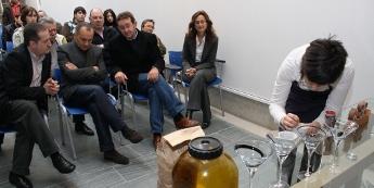 A barista burelesa Sofía Prieto fixo unha demostración de elaboración e cata de café no museo de Lugo