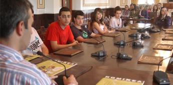 Repartirán a escolares de Ribadeo a revista Komikea creada para prevención de drogodependencias