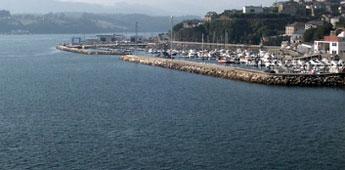 Portos de Galicia instalará un separador de augas hidrocarburadas en Ribadeo