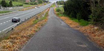Persiste o uso masivo de herbicidas nas estradas galegas a pesar dos riscos ambientais, asegura Adega