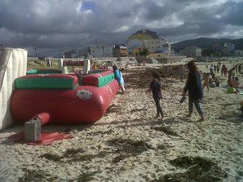 A praia do Torno presentaba un aspecto lamentable o día das atraccións para nenos, afirma o PSOE