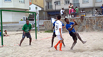 O Puteu Bravo, gañou o torneo de fútbol praia sub-16 que organizou o Burela FS