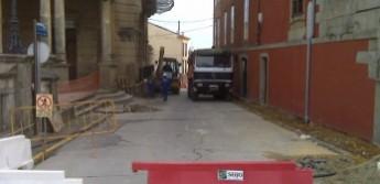 O concello de Ribadeo realiza obras na rúa Villandrando por valor de 90.000 euros