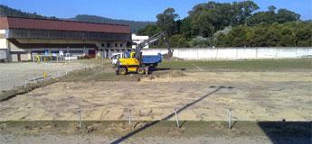 Iniciaron as obras de instalación de herba artificial no campo municipal de Viveiro O Cembedo