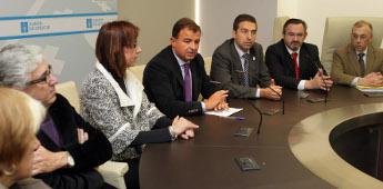 O alcalde de Cervo amosa a súa satisfacción polo convenio entre a Xunta e Cerámica de Sargadelos
