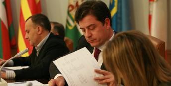 A Deputación adianta a entrada en vigor do Orzamento de 2011 para axudar aos concellos