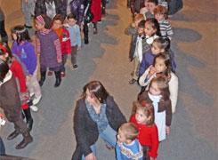 Espectáculo infantil no praza do centro cívico de Xove