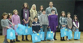 O Concello de Cervo entregou os premios dos certames de debuxo e de postais de Nadal en San Cibrao