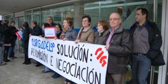Delegados da CIG presentaron na Xunta 5.233 sinaturas pola readmisión en Sargadelos