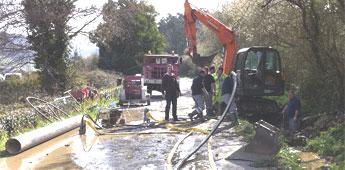O alcalde de Ribadeo reclamalle de novo a Xunta unha traida de auga a raíz dunha fuga no colector xeral