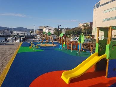 Foz estrea tres novos parques infantís remodelados grazas á colaboración entre Xunta e Concello