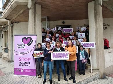 Acto conmemorativo do día Internacional contra a Violencia de xénero de Mujeres En Igualdad Burela