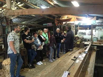 Deron comezo en Cervo as xornadas de portas abertas das Rutas de Artesanía coa visita ao asteleiro de carpintería de ribeira de Francisco fra e ao Museo provincial do Mar de San Cibrao