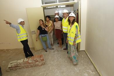 A Conselleira Carmen Pomar visita as obras dos CEIP de Foz nº 1 e Virxe do Carme de Burela, nos que se investirán 1.676.286€