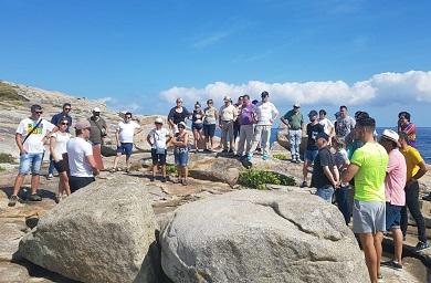 O Concello de Cervo organizou unha visita guiada pola Ruta das Canteiras na que participou medio cento de persoas