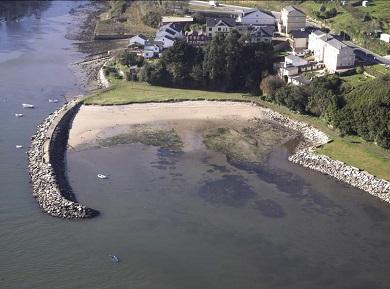 A Xunta confirma que volven a ser aptas para o baño as praias ribadenses de O Cargadoiro e Os Bloques