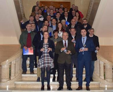O Presidente asina cos 38 concellos adheridos o convenio que pon en marcha o plan de aforro enerxético Ilumin@