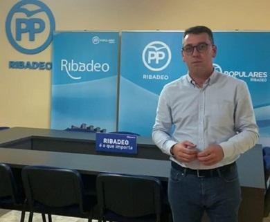 """Daniel Vega lamenta que """"o goberno local vote en contra da reactivación económica de Ribadeo"""""""