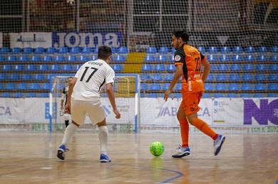 O Presidente supervisa a mellora do campo de fútbol de adestramento de Lourenzá, no que a Deputación inviste 255.000€