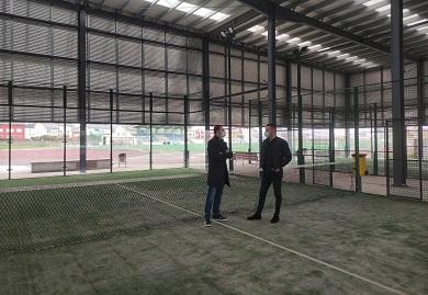 O Concello de Cervo rematou os traballos de mellora das pistas de pádel do complexo deportivo da Veiga