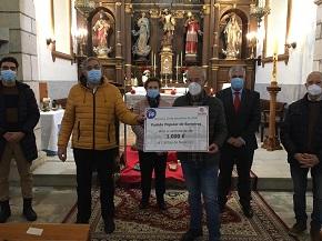 Os concelleiros do PP de Barreiros fan entrega dun donativo de 1.000 euros a Cáritas de San Miguel de Reinante