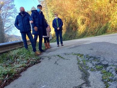 O PP reclama do goberno provincial a mellora das estradas que unen Trabada con Barreiros e San Tirso de Abres, que son perigosas por afundimentos e deficiente sinalización