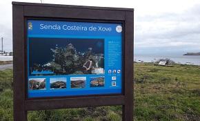 O Concello de Xove acaba de sinalizar a Senda Costeira de Xove, unha ruta de máis de 18 km, que comeza na Área Etnográfica de Morás e remata no acceso á praia de Portonovo
