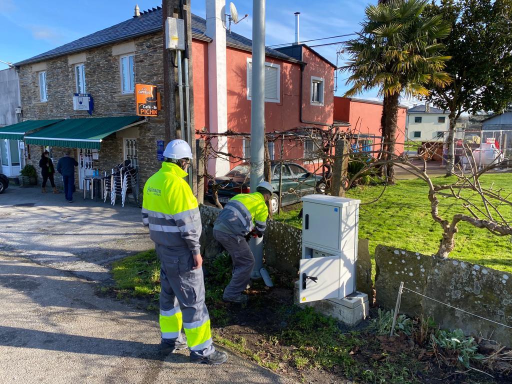Comeza a instalación de luminarias de baixo consumo en 38 concellos da provincia a través do Plan Ilumin@ da Deputación