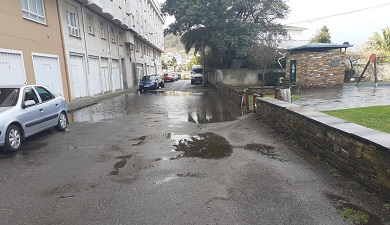 O concelleiro Jesús Cal aclara que visitou o Rúa Granxas en canto tivo constancia do problema da inundación