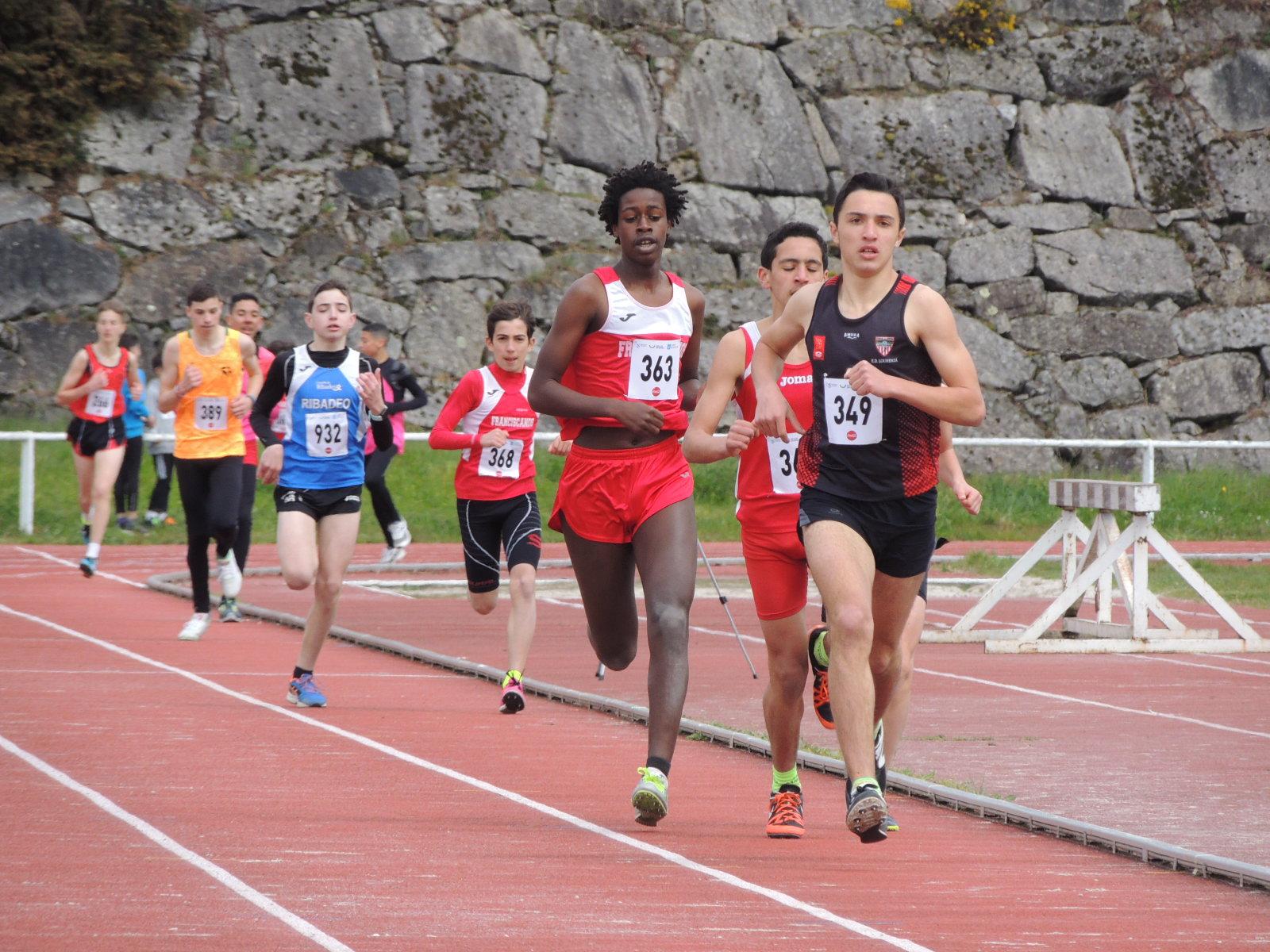 3 deportistas das Escolas Lourenzá, presentes no Galego de pista cuberta sub18