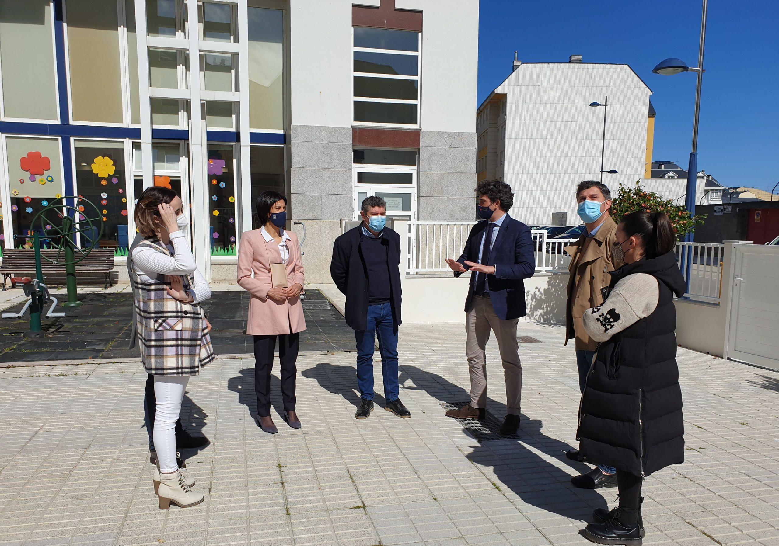 Recoñecemento ao esforzo de traballadores e usuarios da residencia de Burela