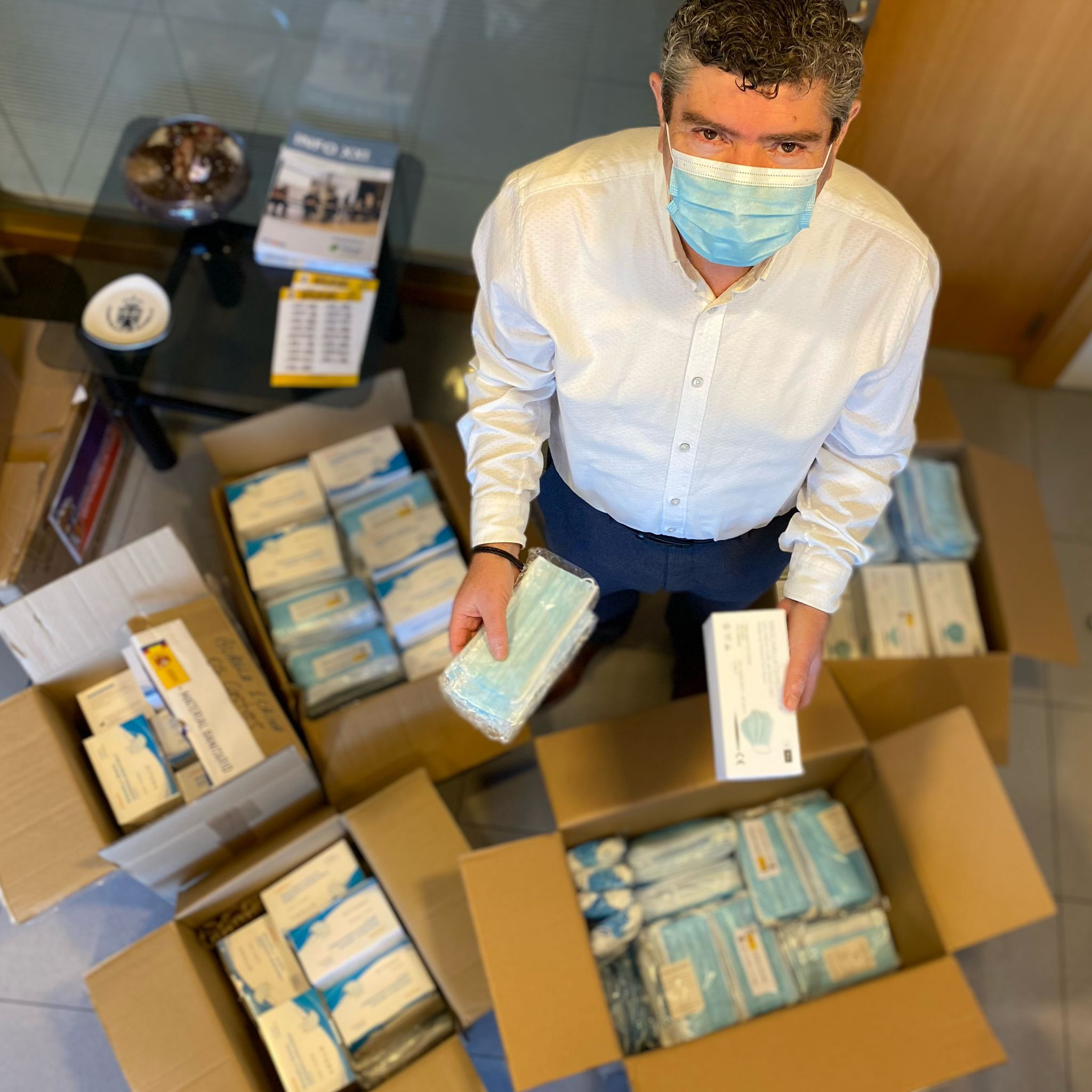 Seis mil máscaras para os catro centros educativos de Burela
