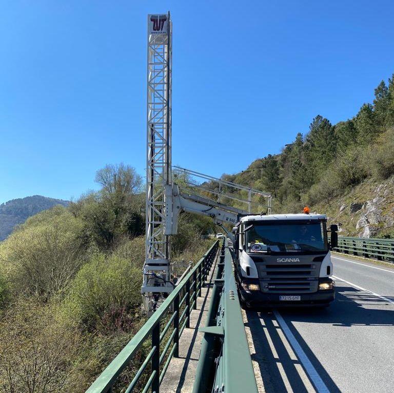 A Xunta leva a cabo unha campaña de inspección de pontes e viadutos en estradas da rede autonómica, na Mariña en Xove e Ourol
