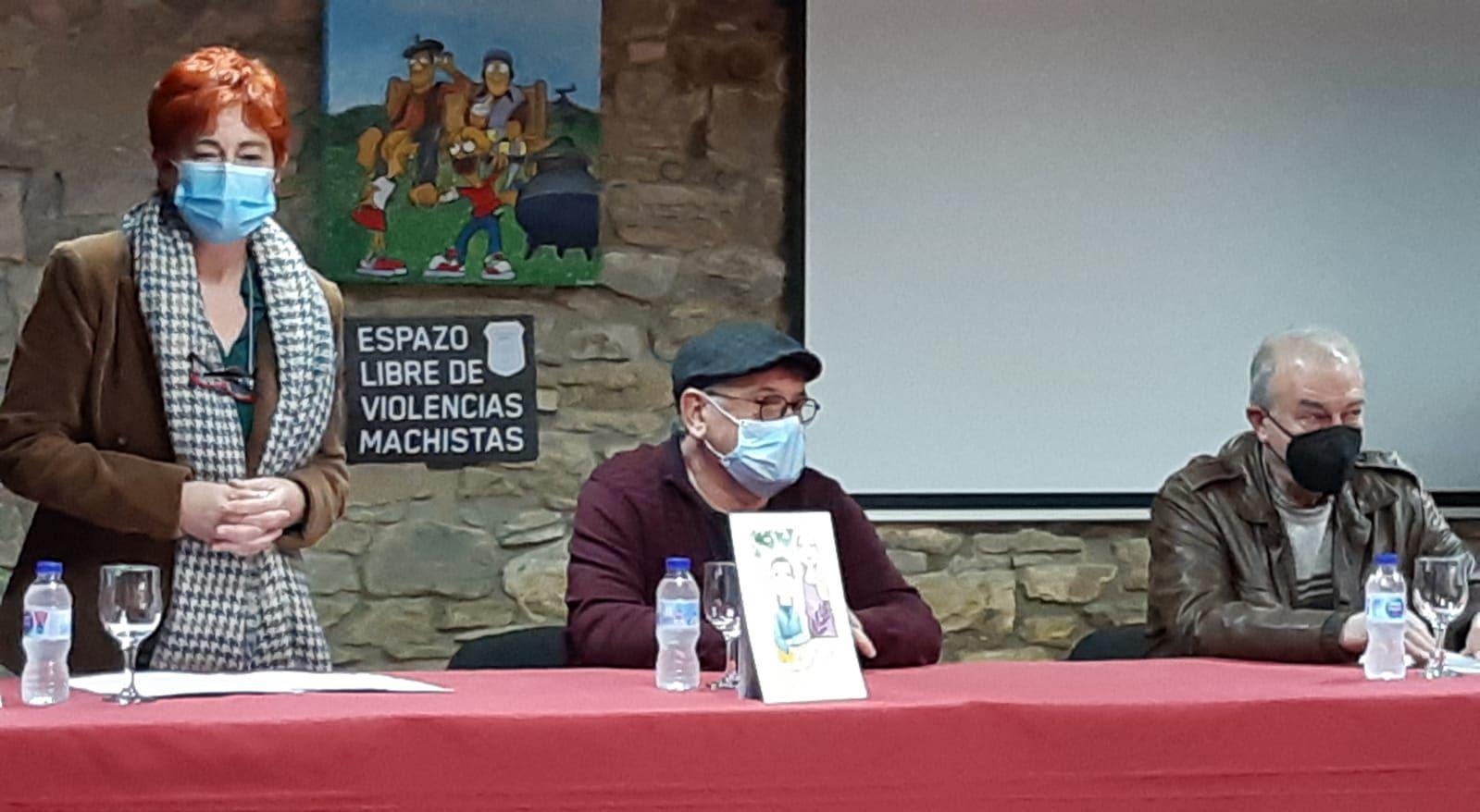 "Presentado na Casa Escola de Cabreiros o libro ""O pau de ferro"" de Xosé Manuel Felpeto"