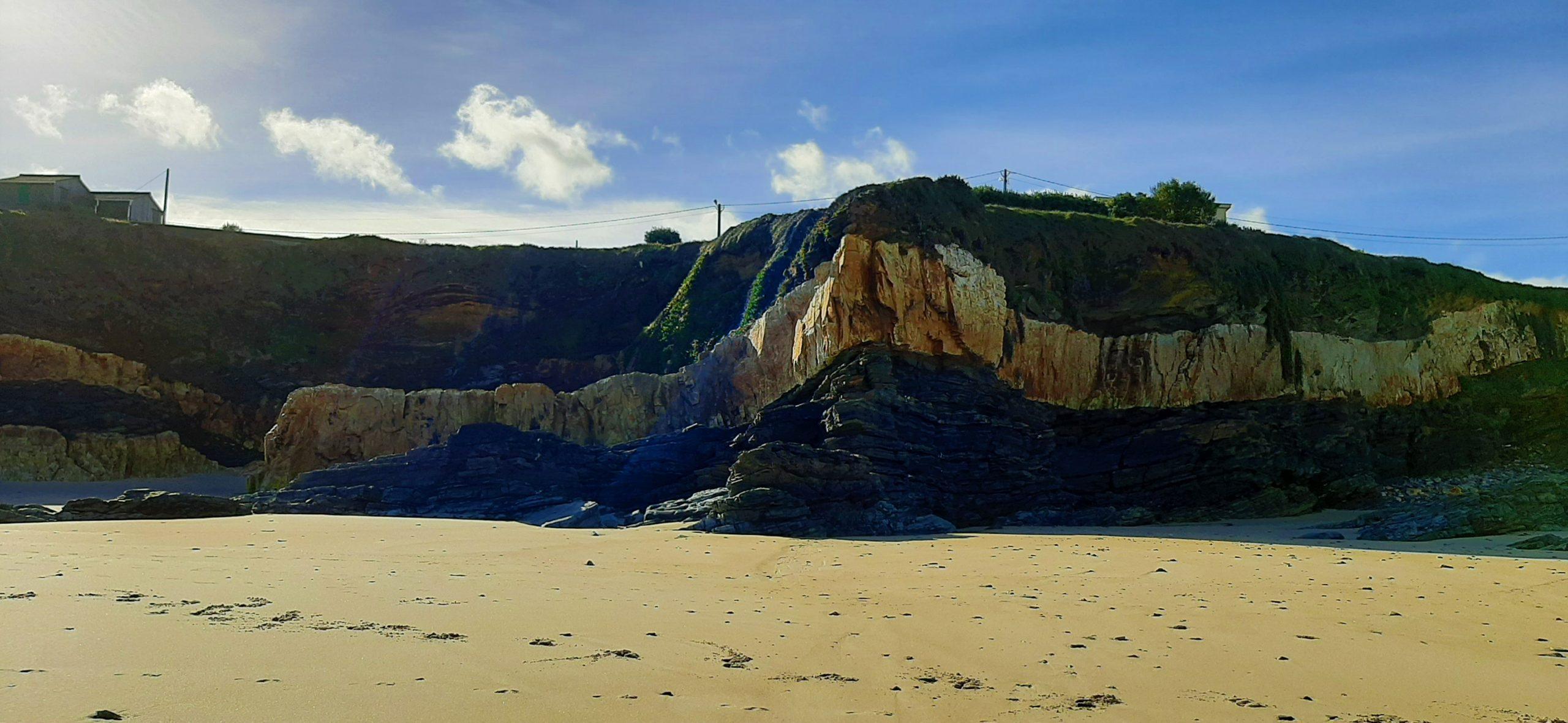 As praias de Barreiros exhiben a súa riqueza xeolóxica nunha ruta