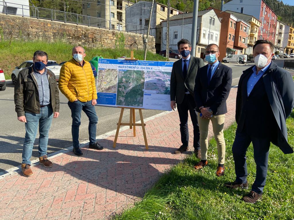 334.000 € nas obras de reforzo do firme da estrada LU-741 entre o núcleo da Pontenova e o lugar de Aldeguer