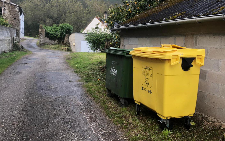 Máis colectores amarelos en Barreiros para fomentar a reciclaxe